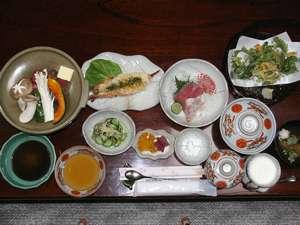 和風ペンション 明神茶屋:料理好きの女将が作る自慢の和食。お袋の味。