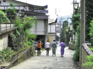 野沢温泉 朝日屋旅館:お風呂は宿の展望風呂と無料で廻れる13の外湯巡り