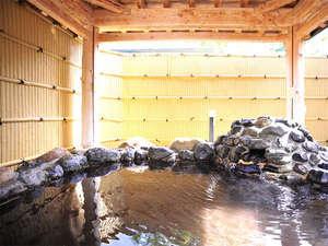 朝里川温泉かんぽの宿小樽:*【露天風呂】東屋風の造りが情緒を感じさせる露天風呂