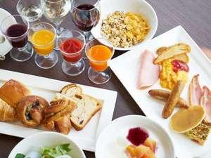 100種類以上のメニューが並ぶ朝食パラダイスブッフェ。洋食中心にセレクトした一例
