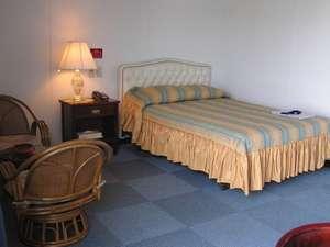 春日観光ホテル:ダブルベッドでゆったりとお過ごし下さい