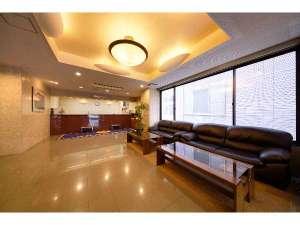 パシフィックホテル盛岡:広く開放感あふれるロビーで皆様をお待ちしております。