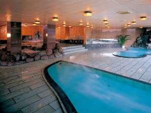 ハトヤホテル:天然自噴温泉(加水)掛け流し「大浴場」