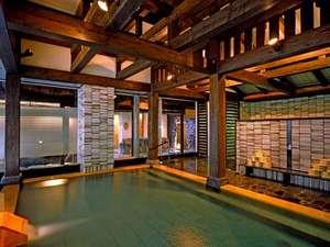 源泉湯の宿 かいり:『御利益』七福の湯で湯めぐりをどうぞ!川の湯「内風呂」~桧の温もりが優しく香ります。