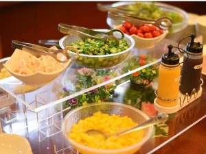 ホテルルートイン木更津:【無料バイキング朝食】ご利用時間⇒06:30~09:00 30種類以上のメニューが並びます。