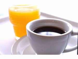 高知龍馬ホテル:ジュースは朝食で、コーヒーは食堂とロビーでお召し上がりください