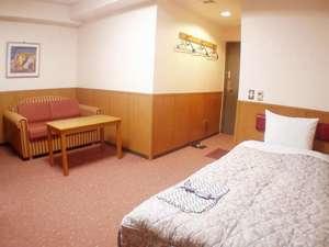 ホテル若草: ★ツイン禁煙室★ 観光・ビジネスに最適。コンパクトで機能的な部屋です