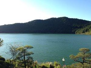 """民宿関荘:◎当館からの景色◎""""おしどり池""""を一望!静かな湖畔で癒しの時間。"""