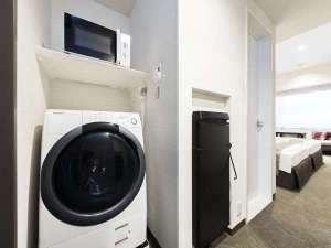 東急ステイ京都両替町通(三条烏丸):全室洗濯乾燥機・電子レンジ・ズボンプレッサー。洗剤は無料でお渡ししております(2個目から1つ30円)