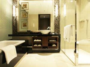 ウェスティンホテル仙台:広々としたバスルーム。ウェスティンオリジナルのアメニティをご用意