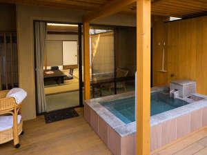 四季亭:プライベートな空間を満喫♪源泉掛け流し露天風呂付客室【10畳】