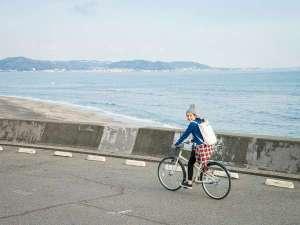 【レンタサイクル】鎌倉の名所巡りは、サイクリングが楽しいです。海沿いも気持ち良く走れます。