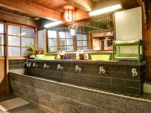麻吉旅館:*館内設備(洗面所)レトロな雰囲気がお好きな方♪