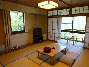 大平台温泉 箱根嶺南荘:*【客室一例】山々の自然に囲まれ、心安らぐ和室となっております.