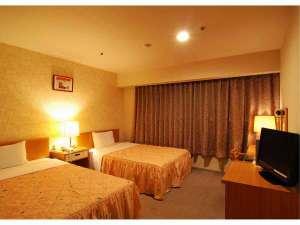 ホテルパレスイン鹿児島:【スタンダードツインルーム】20平米。全室120cm幅のセミダブルベッド。幼児添い寝サービス中!