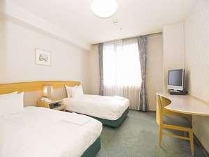 ホテルアウィーナ大阪 1人あたり3千円くらいで素泊まりできました!