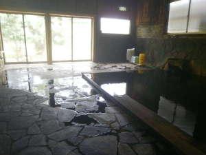 八幡平大沼茶屋湖:外には大沼の景色が広がる男性内湯