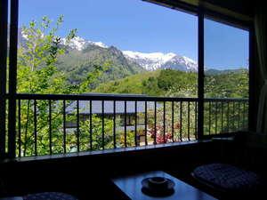 旅館 観岳:お部屋からは、北アルプスの山々を望め、静かな時間を過ごせます。