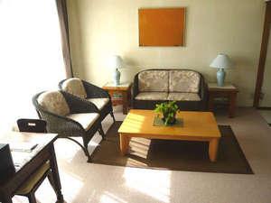 絵織の丘レンタルハウス:レンタルハウス本館 室内 ゆったりスペースでのんびりと