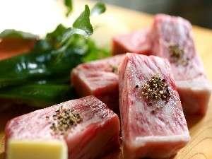 奥飛騨山荘 のりくら一休:厳選した飛騨牛を「サーロインステーキ」でお楽しみ下さい。