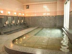 宇和島グランドホテル:無料で利用出来ます本館「国際ホテル」の大浴場(16:00~24:00)