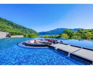 箱根・芦ノ湖 はなをり:水盤テラス