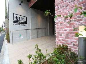 ザ・ベース・堺東・アパートメントホテル:【ホテル外観】南海高野線「堺東」駅西口を出て徒歩約5分です。