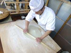 川口温泉 奥羽山荘:料理長が愛情と魂を込めてこだわった本格手打ち蕎麦を是非ご賞味下さいませ