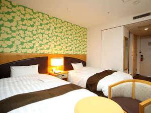 ホテルウィングインターナショナル苫小牧:ベッドは清潔なデュベタイプ
