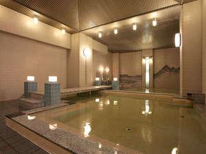 ゆうばりホテルシューパロ:*大浴場「夫婦善哉」は落ち着いた雰囲気。ひろびろゆっくりリラックスいただけます。