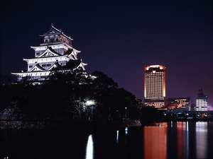 【外観】ホテル北側客室からは眼下に広島城を望めます。
