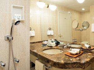 バスルーム(エグゼクティブフロア) ※実際とはシャワーの位置が異なります。