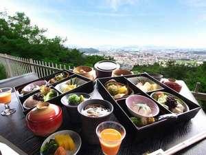 絶景を眺めながら食事