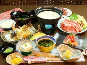 富士眺望の宿 精進マウントホテル:柔らかく美味しい「朝霧ヨーグル豚」をしゃぶしゃぶでお召し上がりくださいね☆
