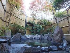 湯布院 昔懐かしい純木造日本旅館 由布院温泉 山荘 田名加:露天風呂2