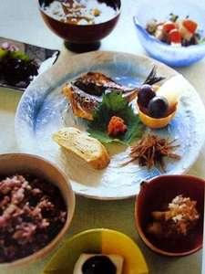 湯布院 昔懐かしい純木造日本旅館 由布院温泉 山荘 田名加:朝食