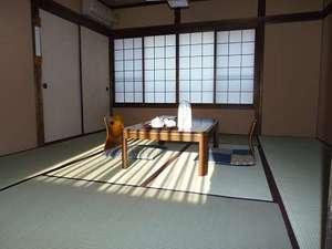湯布院 昔懐かしい純木造日本旅館 由布院温泉 山荘 田名加:部屋2