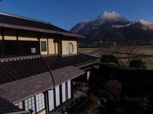 湯布院 昔懐かしい純木造日本旅館 由布院温泉 山荘 田名加:由布岳一望1
