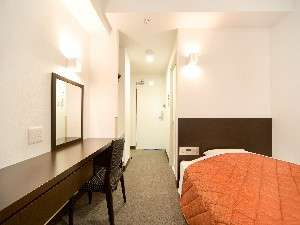 ビジネスホテルアクセス阿波:シンプル&モダンを追及した機能性のある洋室