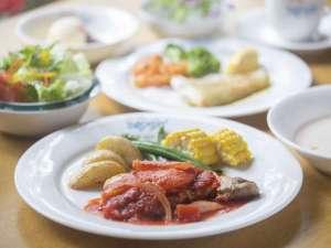 富士見高原 ハートあったか プチペンション ジョナサン:季節のサラダ、スープ、魚、肉、ライス、デザートまでの ジョナサン風フルコース