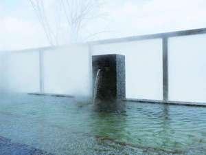 新富良野プリンスホテル:冬には雪を見ながらほっこりと温まる露天風呂【富良野温泉 紫彩の湯】