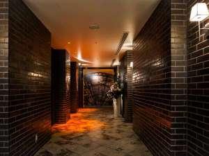 ダイワロイネットホテル横浜公園:3F エレベーターホール(大)