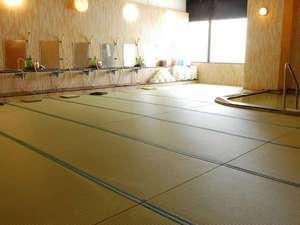 畳敷きの大浴場