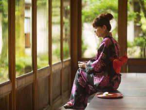 【書院造り×日本庭園】で游す 加賀懐石 山中温泉 胡蝶:四季の移ろいに趣きを感じる、日本のこころを感じる宿。日常から離れてひとときの非日常をお愉しみ下さい。