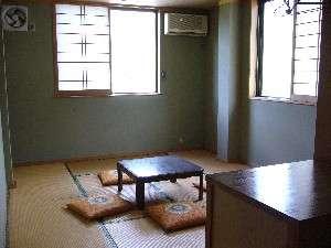 季節のお宿 ひみね:10畳のお部屋です。