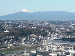 新横浜プリンスホテル:客室からの富士山(天候条件により見えない場合がございます)