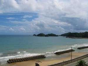 HOTEL RIVIERA ししくい:ホテルすぐ前の海岸です。眺めても散歩しても良し!!