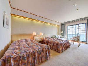 HOTEL RIVIERA ししくい:*【ツインルーム】全室オーシャンビュー。ベッド派の方はツインルームがおすすめです