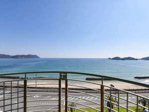 HOTEL RIVIERA ししくい:*【客室バルコニー/ツインルーム】窓を開けると絶景の太平洋が目の前に広がります