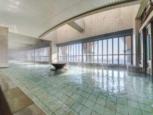 HOTEL RIVIERA ししくい:*【温泉大浴場】海が見える大浴場は、深層から湧出するとろとろの湯触りの天然温泉です